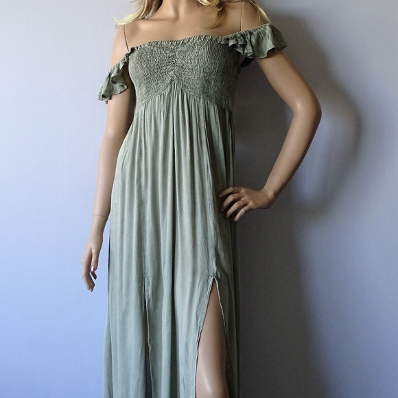 c19a25acdf NWT Raviya Off Shoulder Maxi Sage Dress Cover Up